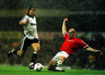 stam-slide-tackle-ginola_display_image